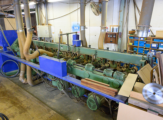 自動6軸バーチカルモルダー加工機